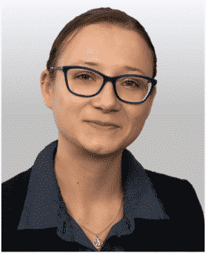 Liesa Tympel, Mitarbeiterin im Backoffice der AMBG